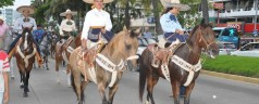Con colorido desfile inicia el Torneo Charro